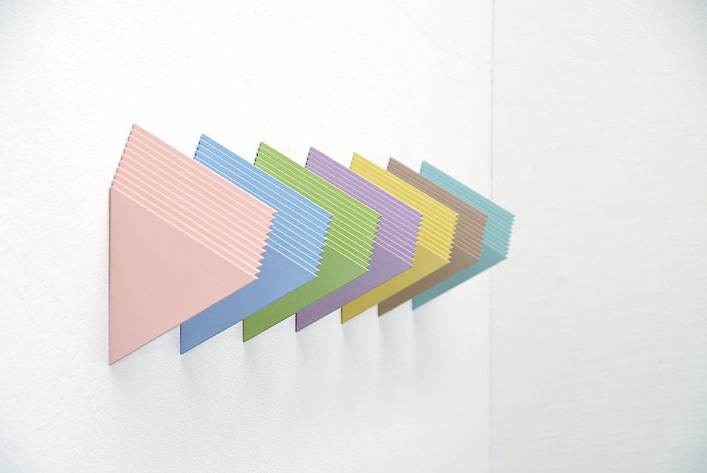 multiples nr. 28.1-28.7/2007- acryl auf mdf - 24x 8.6x 14.8cm