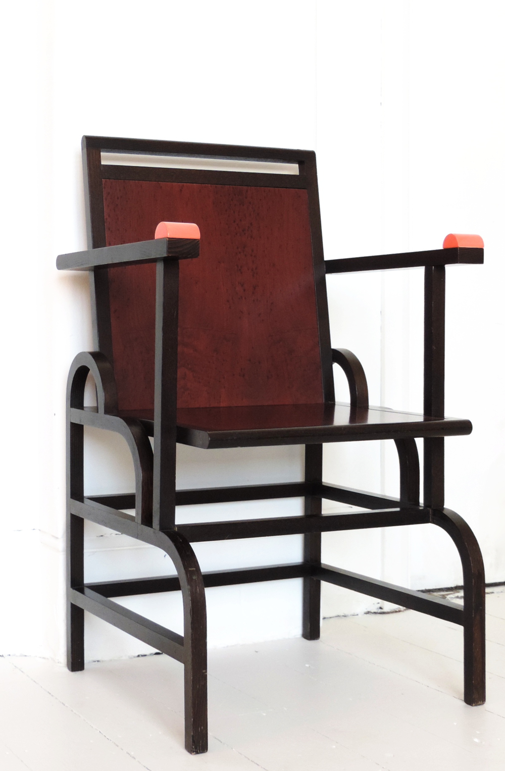 This original Gloucester Chair is available for sale in our shop. It was loaned to the Design Museum for their 2001 'Memphis Remembered' exhibition which was opened by Etorre Sottsass.