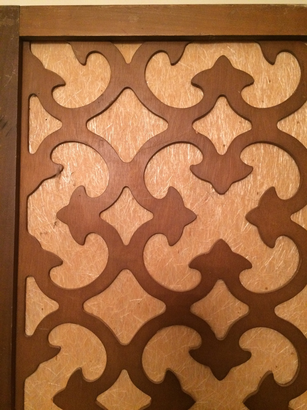 SHUT the F&$K YOU w/all this FRETWORK-- Betch!