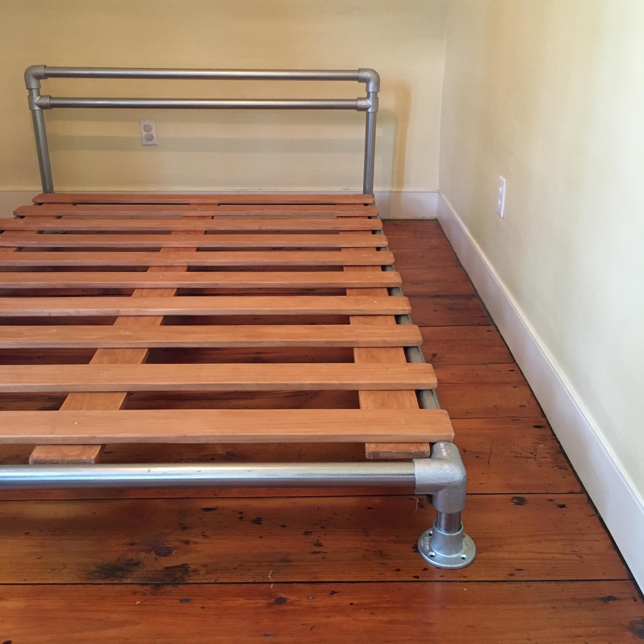 Pvc Pipe Bed Plans: PJDIY: Pipe & Flange Bed Frame