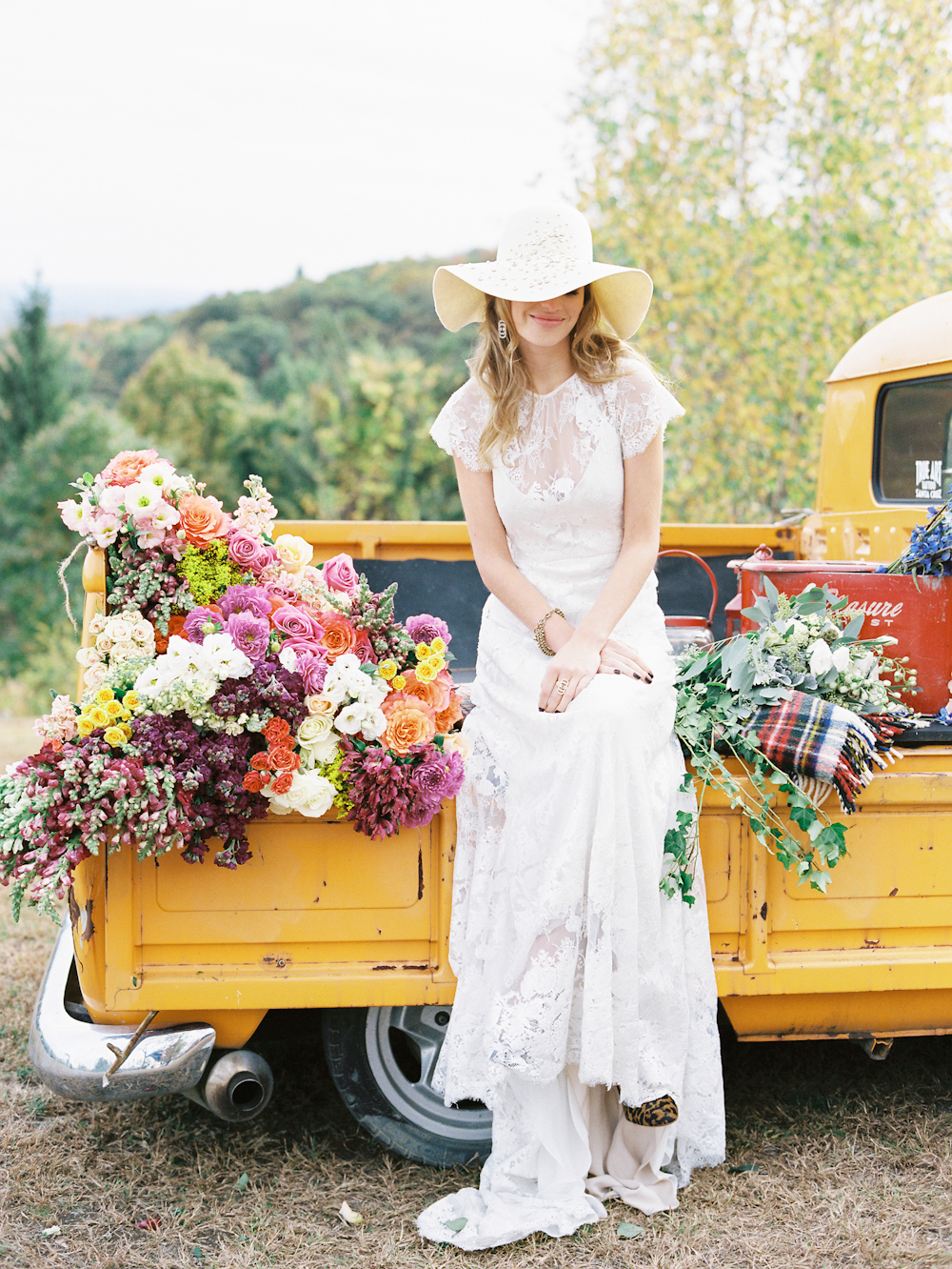 Fall Wedding & Camping Editorial 0056.jpg
