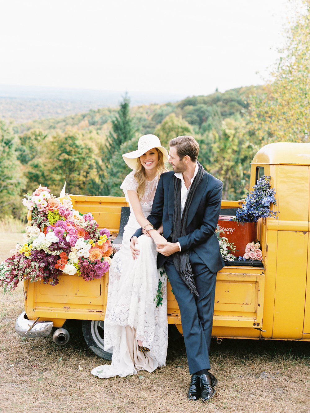 Fall Wedding & Camping Editorial 0074.jpg