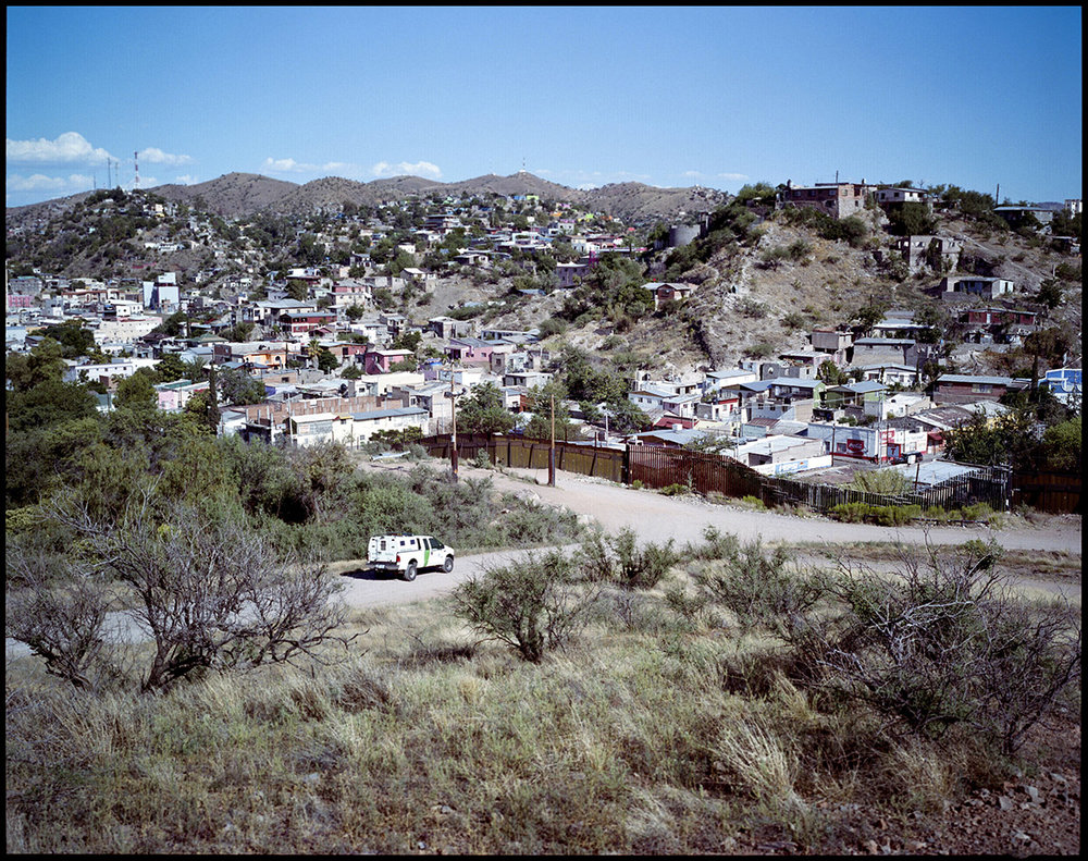 LATINGO BORDER_04.jpg