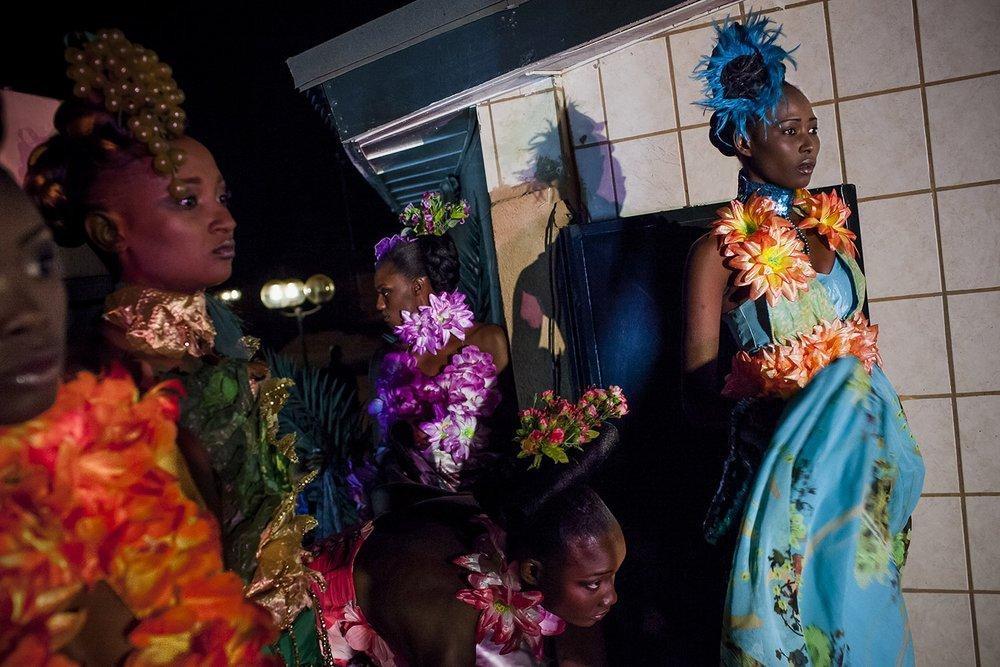 AWA_AFRICAN MODEL_NIGER_FASHION_HECTOR MEDIAVILLA09.jpg