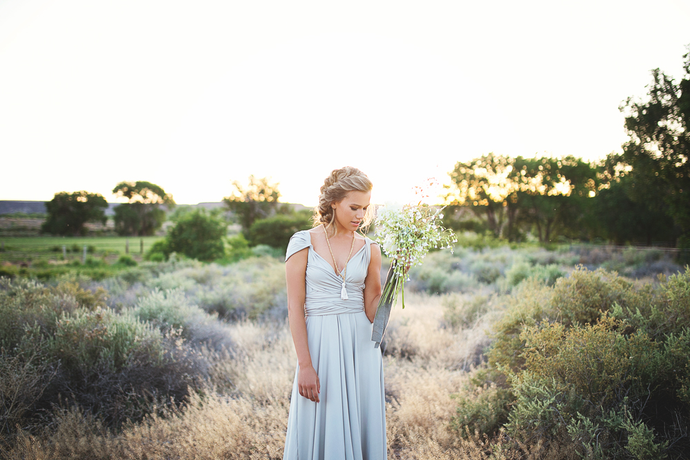 Liz-Anne-Photography-Wabi-Sabi-Wedding-Inspiration_01.jpg