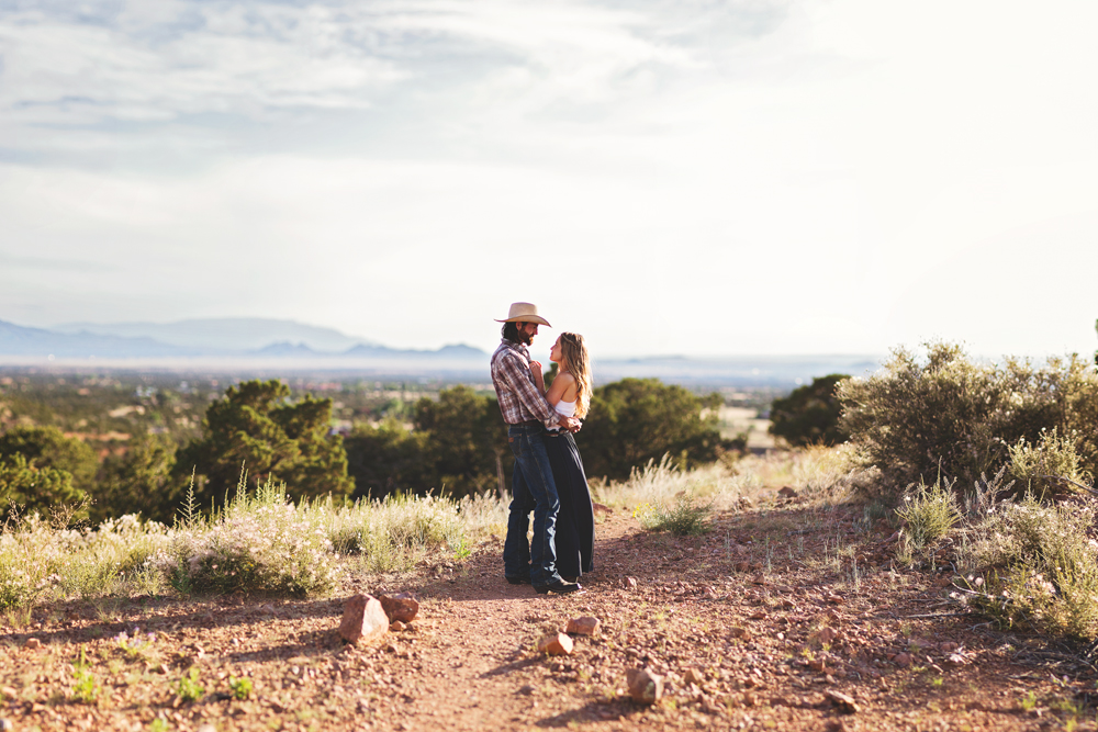 Santa-Fe-Wedding-Engagement-Liz-Anne-Photography-01.jpg