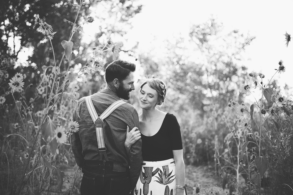 Ben + Chelsea | Albuquerque Sunflower Engagement Session | Liz Anne Photography 02