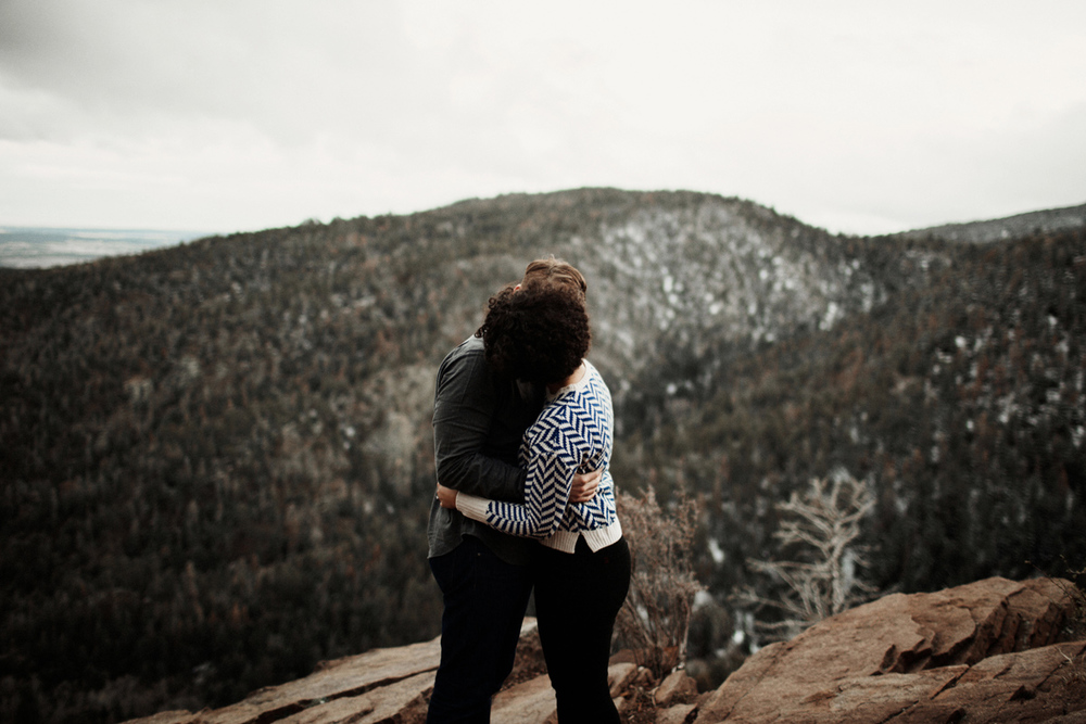 sandia-mountain-albuquerque-snow-fog-engagement-session-new-mexico-elizabeth-wells-photography