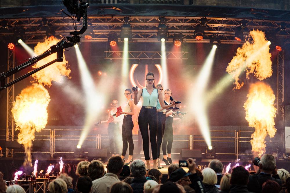 Eröffnungsshow Konsum-Filiale »xquisit« in Chemnitz.Foto: Henry Sowinski