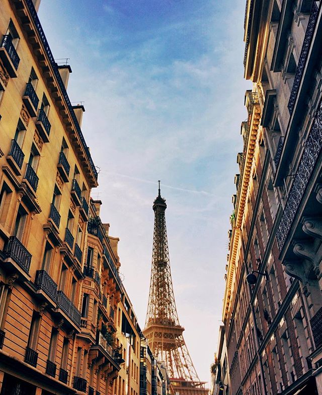 Less than 24 hours in Paris: Get lost, make quick appearances at main sights, eat crepes on the street, have a picnic at the Eiffel Tower and stay there for hours just admiring this place, and eat more crepes.  Paris, je t'aime. ❤️