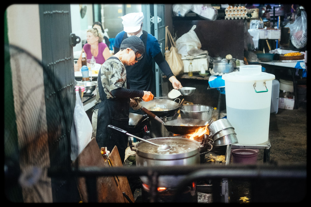 jay fai: 72 year old woman running a michelin star street food stall