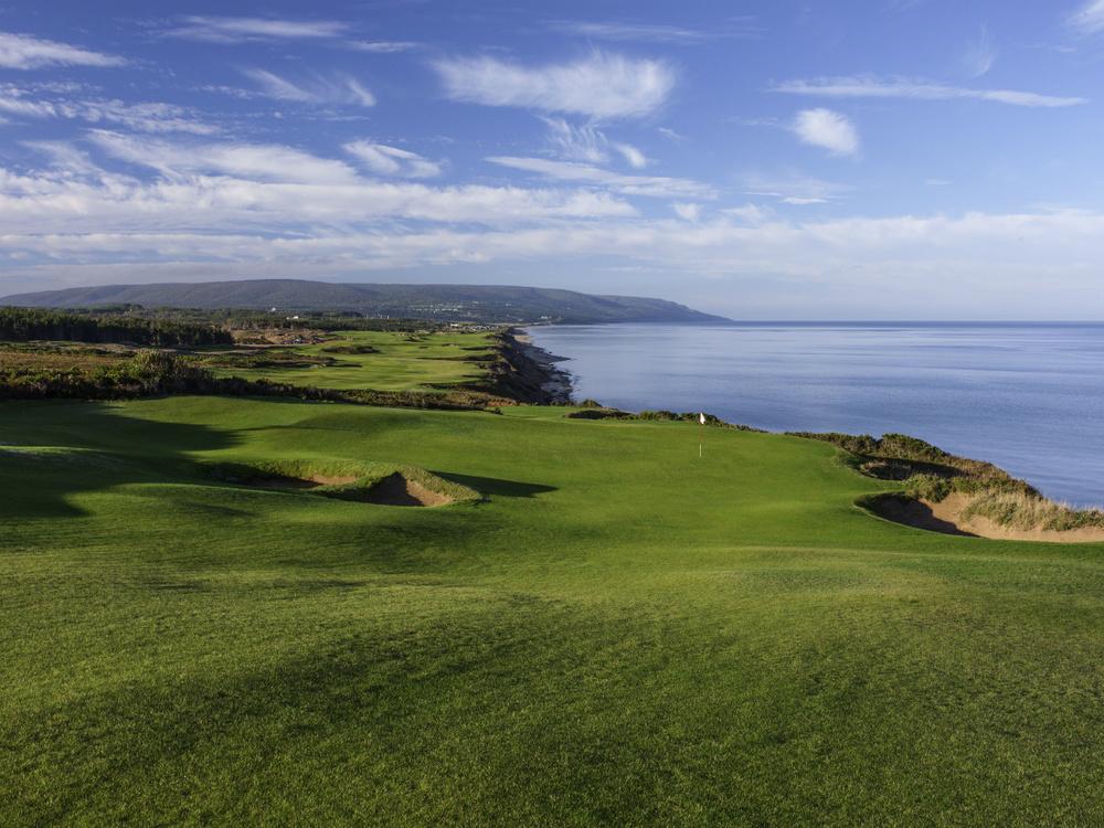 Cabot Cliffs (golfnovascotia.com).