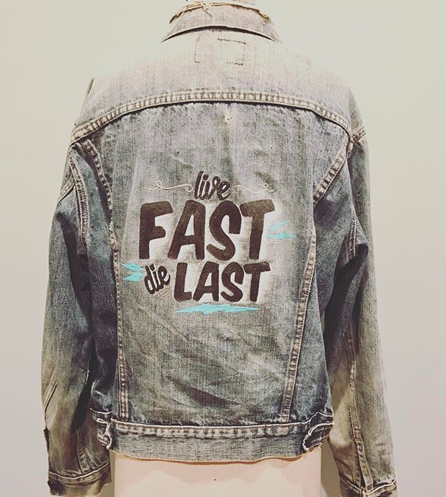 What if I told you we're selling hand painted one of a kind vintage Levi's denim jackets? ⚡️COMING SOON ⚡️ #vintage #levis #handpainted #denim #denimjacket #shoplocal #shopsmall #blackwednesday #philly #livefastdielast #oneofakind #typography #word #typographyart