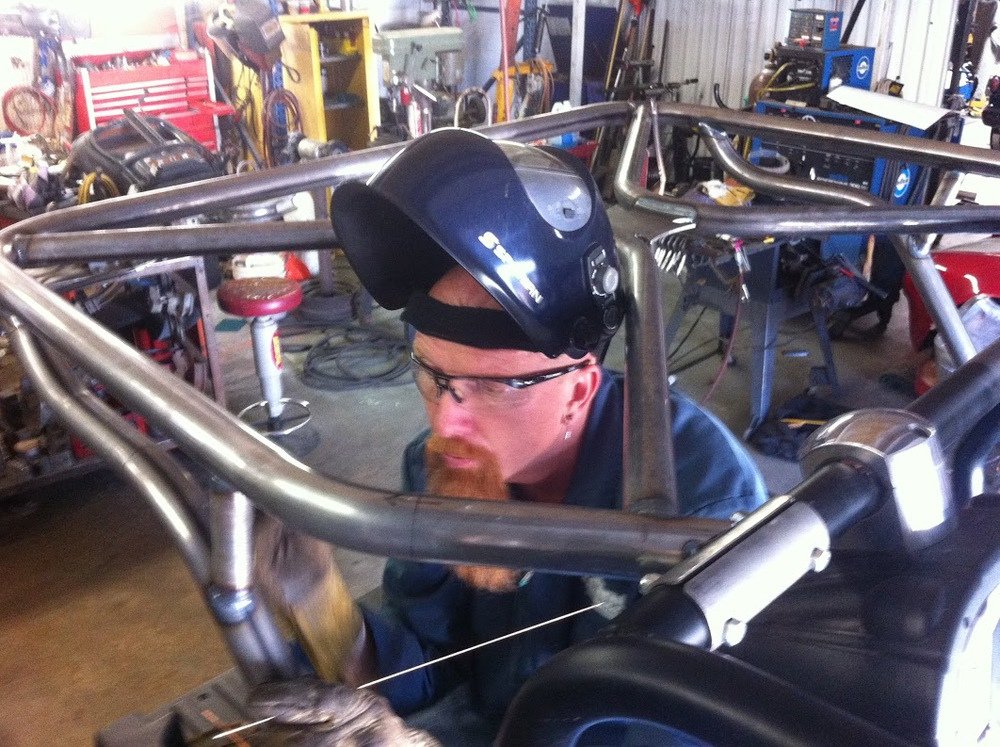 custom roll cage fabrication.jpg