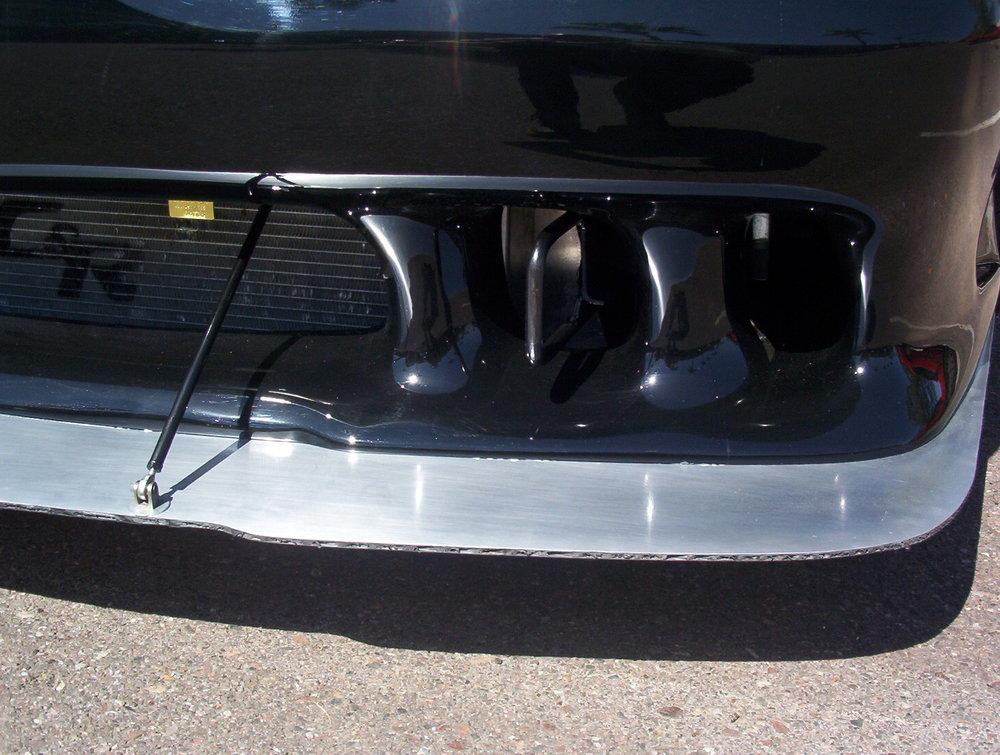 Mustang splitter
