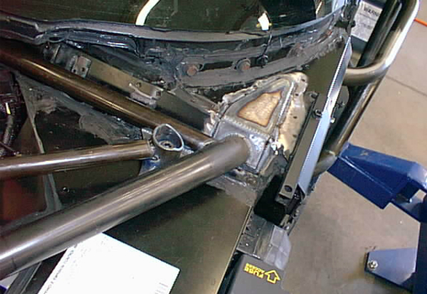 roll cage mounting detail | Firewall