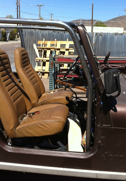 CJ7 Rollcage and windshield detail