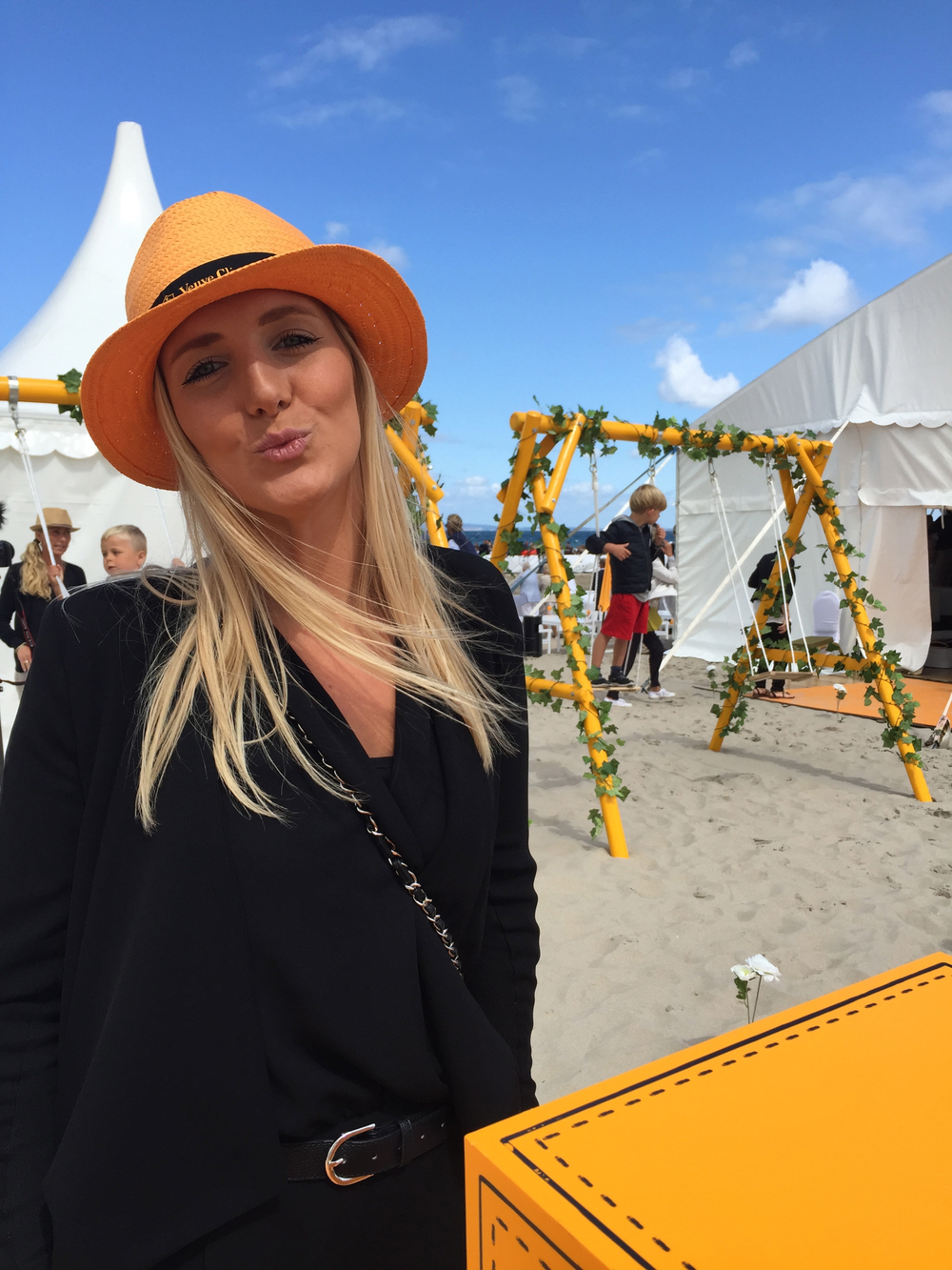 PoloPeoplePlacesBlogmakesavisitVeuveClicquot.jpg