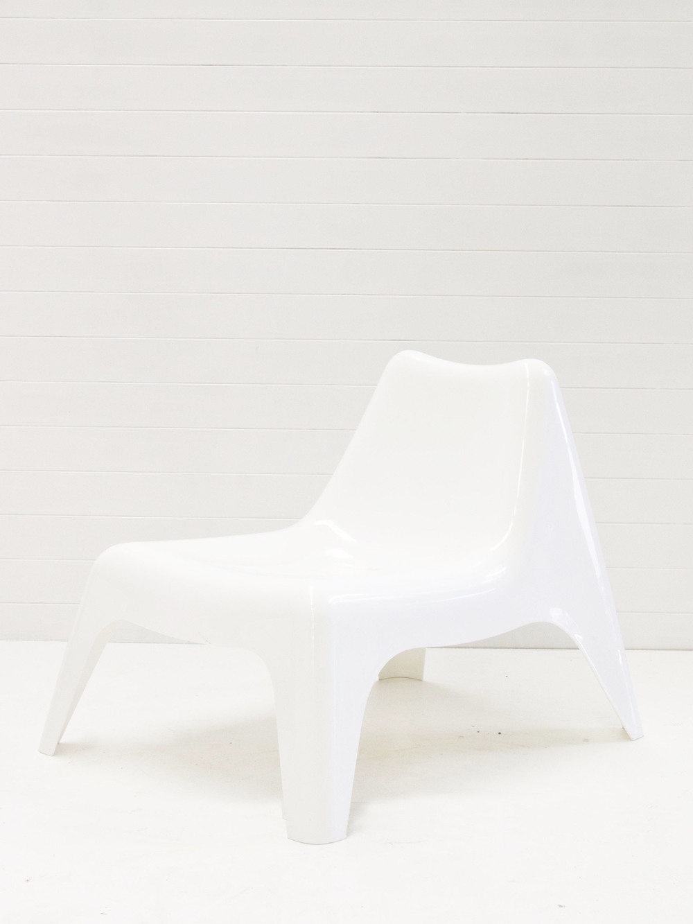 White plastic sun chair.jpg