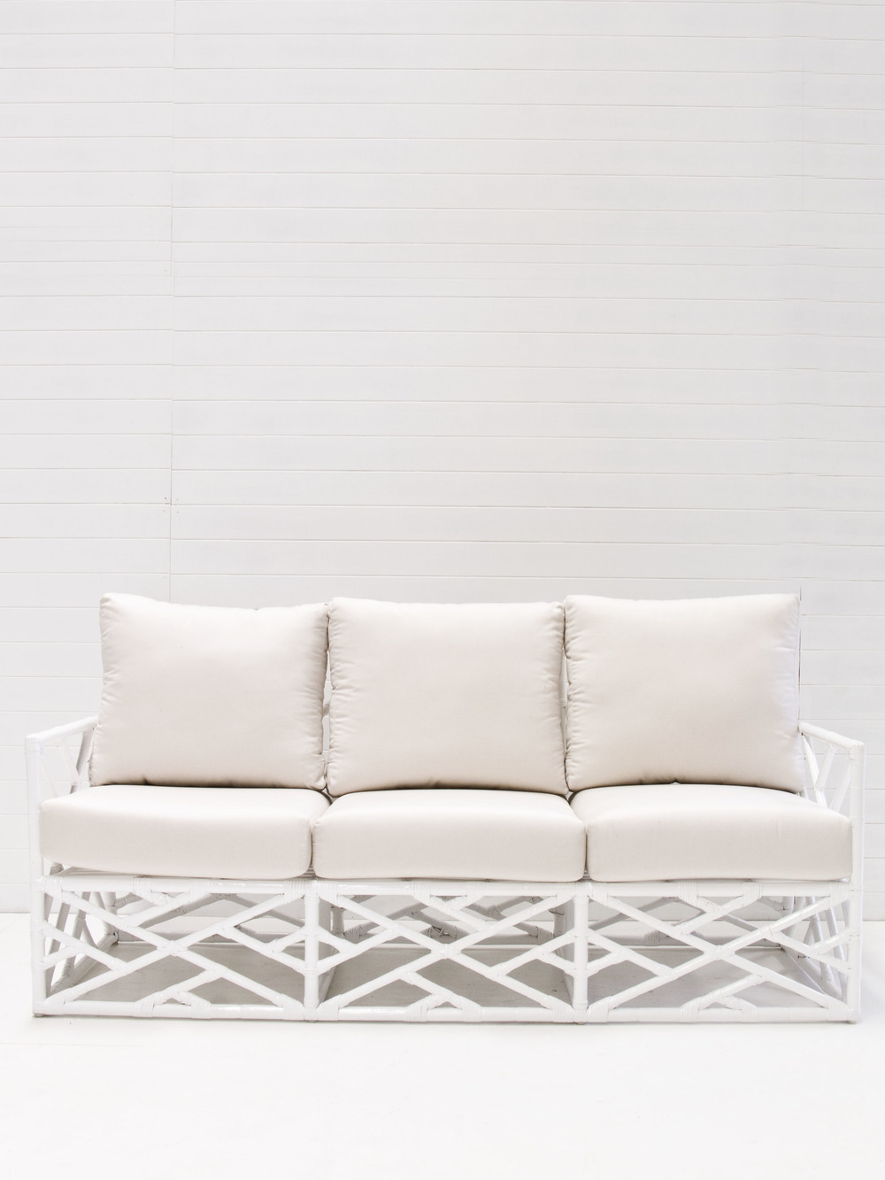 White 3-seating summer lounge.jpg