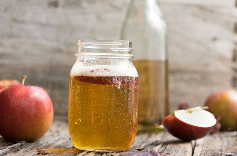 Stocksy-Apple-Cider-Jeff-Wasserman.jpg