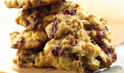 Oatmeal-Craisins-Chocolate-Chunk-Cookies.jpg