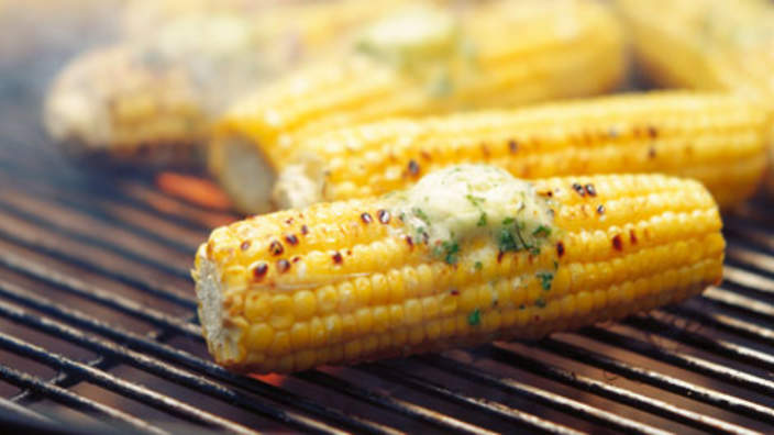site_21_rand_1005142225_barbecue_corn_cobs_with_herbs_butter.jpg