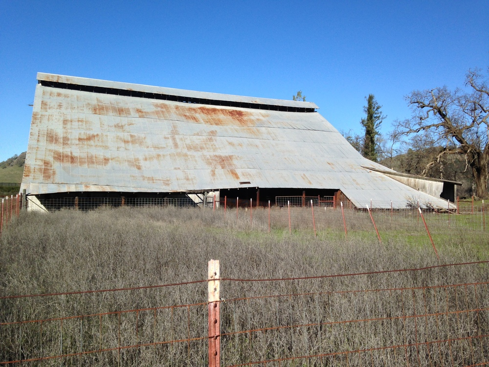 Side view of Gephardt Barn at Langtry Farms