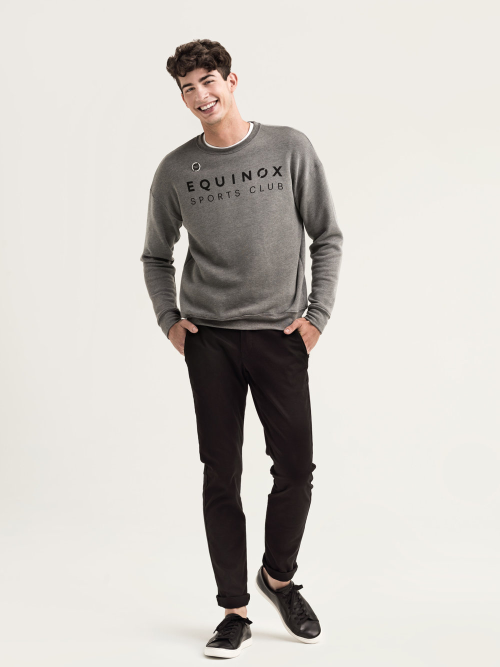 S02_FrontDeskMale_SweatShirt_026_final-lpr.jpg