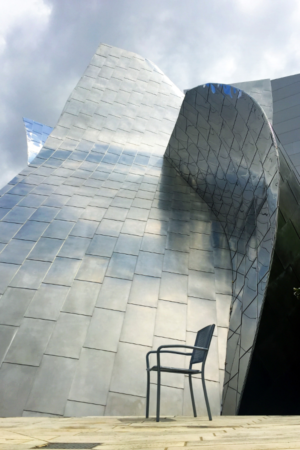 My favorite architect alive today, Frank Gerhy. The Disney Concert Hall.