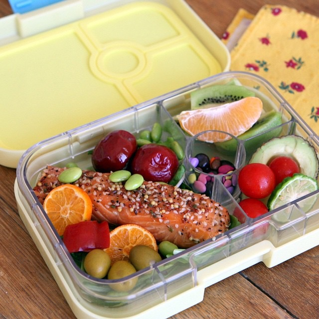 Ananas Yellow Yumbox Panino with Salmon