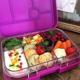 The Yumbox Classic in Bijoux Purple