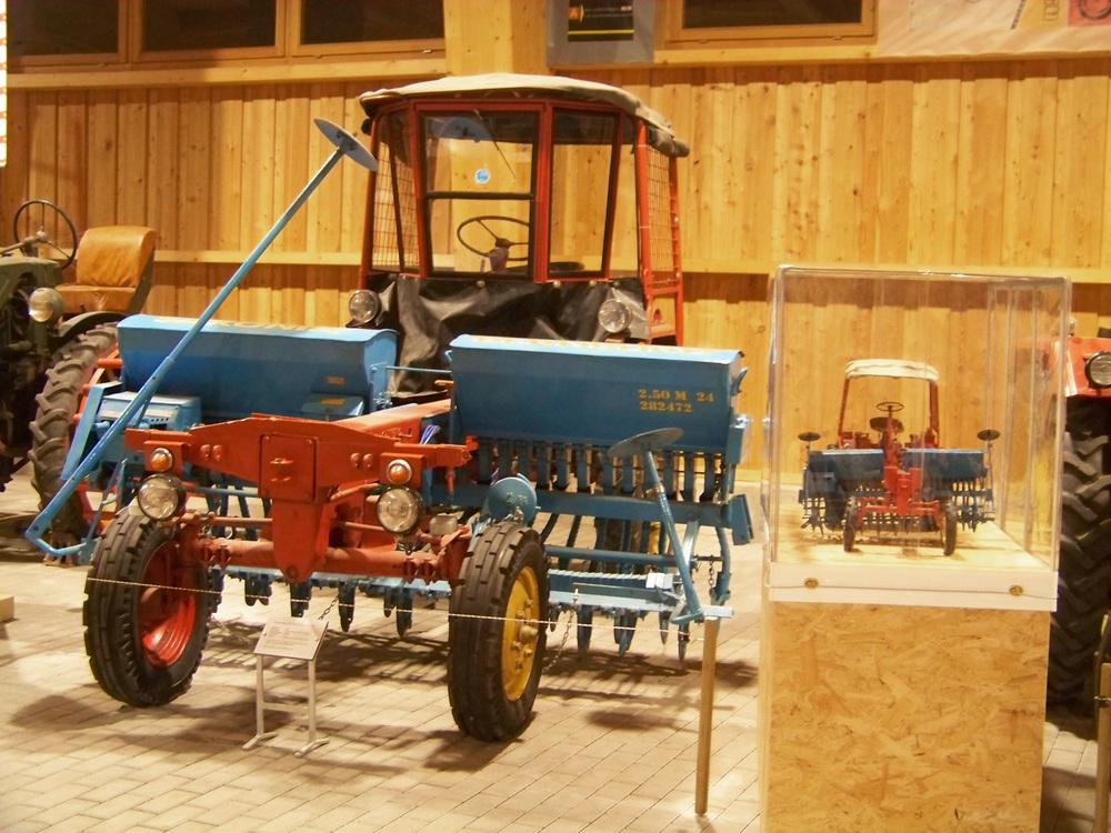Traktorenhalle Blankenhain (5).jpg