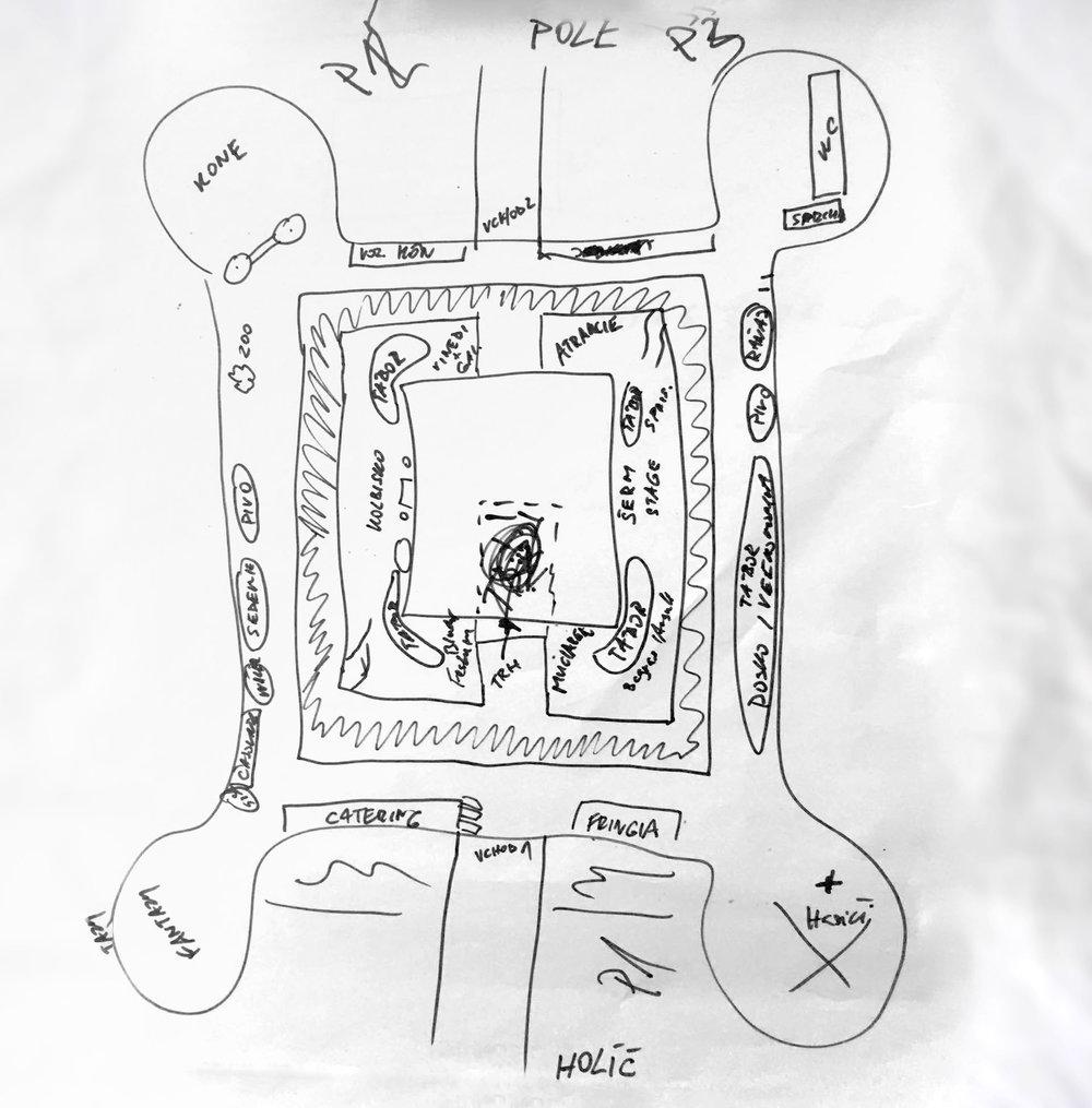 Vedeli ste? - Prvý návrh mapy festivalu bol kusom kvalitného umenia. Pozor, nejde o jaskynnú maľbu, ako by ste si na prvý pohľad mohli myslieť. Autorom tohto kúsku je vedúci Rotensteinu Bystrík H., nositeľ zatiaľ neobjaveného umeleckého talentu.Z tejto avantgardnej maľby neskôr vznikla oficiálna mapa festialu, ako ju môžete vidieť nižšie.