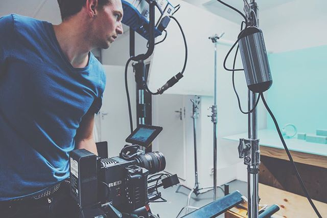 Focusing on the job at hand. With my old and soon to be updated #r3d Dragon in the @ministryofframes studio. Pic by @martgoossens #filmmaker #bts #setlife #cinematography