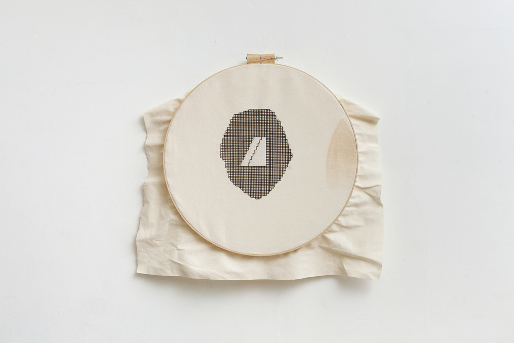 Linear #2   D. 58 cm, linen fabric, embroidery  solo exhibition, Roza Azora Gallery Moscow, October 2014  © lisa olshanskaya