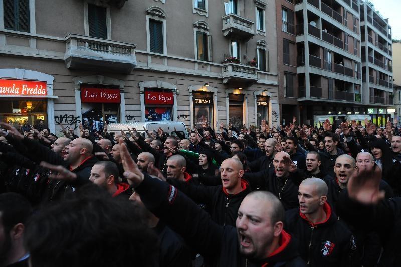 Parata nazifascista a Milano 29 aprile 2014