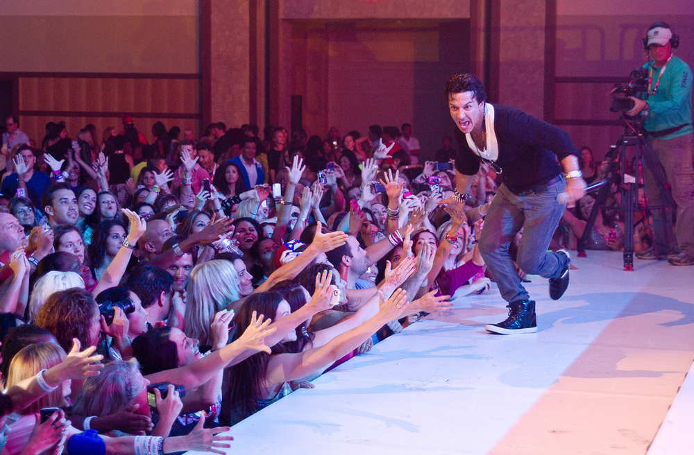 Zumbaconvention2012W-1269.png