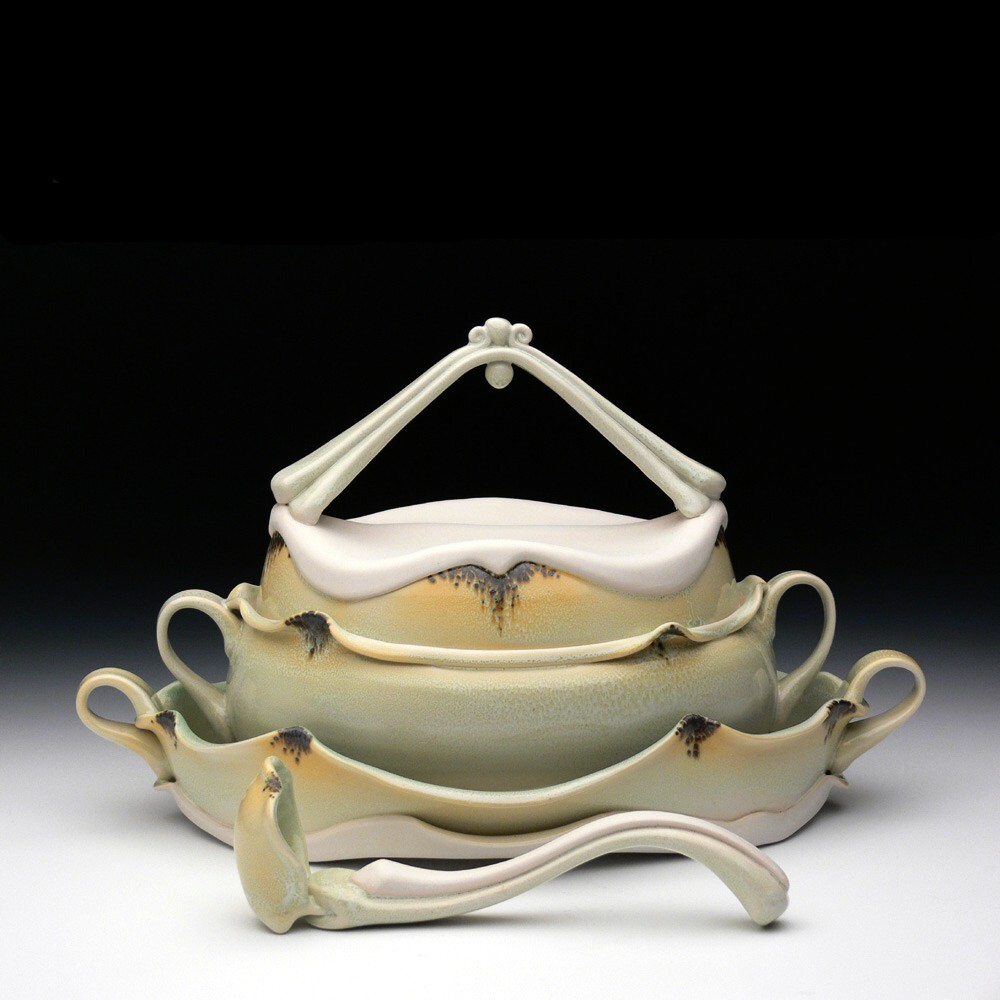 Soup Tureen w/ Tray and Ladle  ceramic 10 x 17 x 9