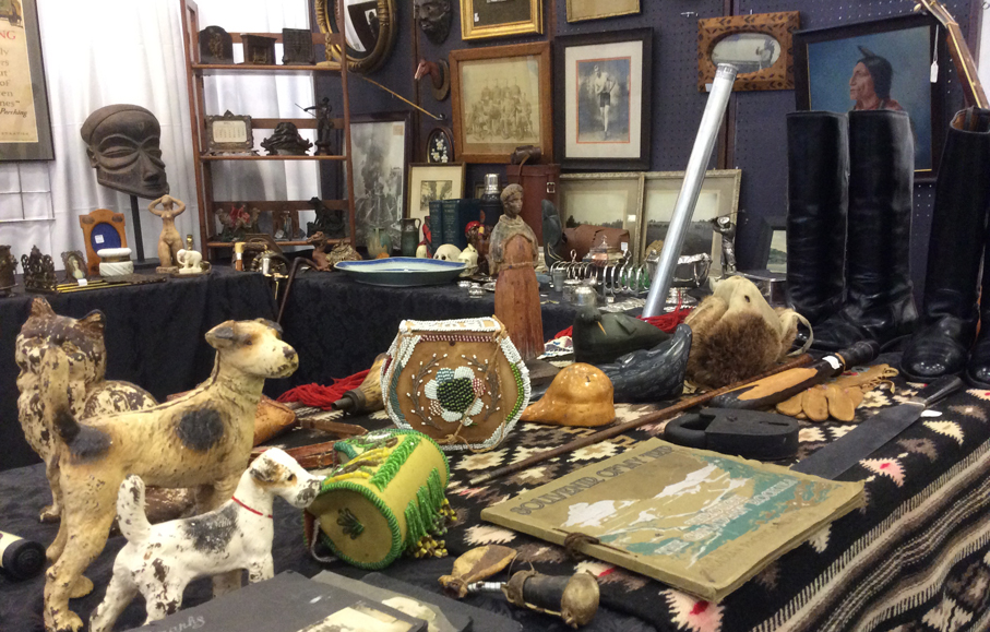 Ottawa_Antique_and_Vintage_Market_joe.jpg
