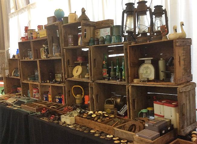 Ottawa-antique-and-vintage-market-time.jpg