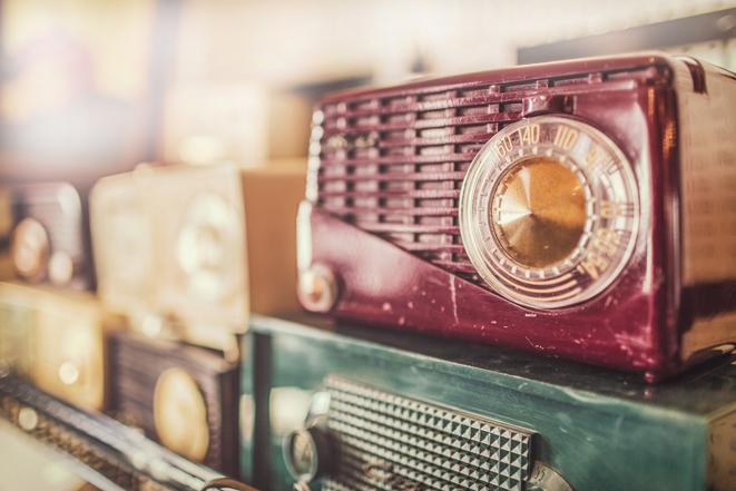 Ottawa-antique-and-vintage-market-radio.jpg