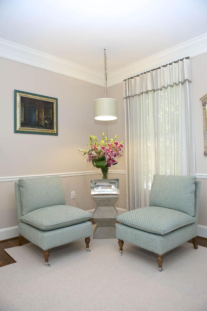 Fave_Alberg Living Room 7.jpg