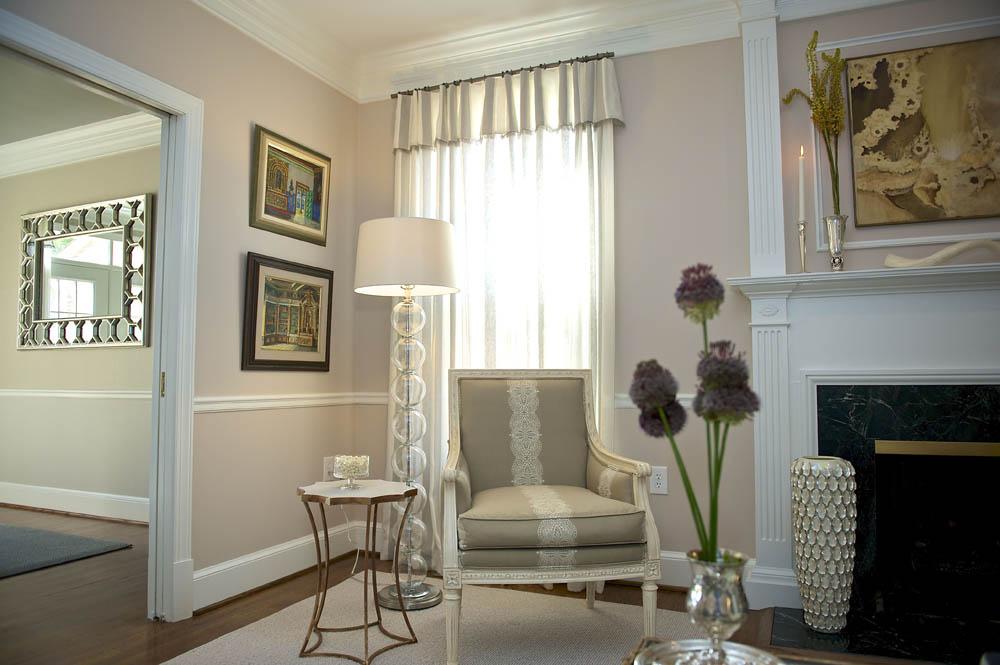 06-Fave_Alberg Living Room 4.jpg