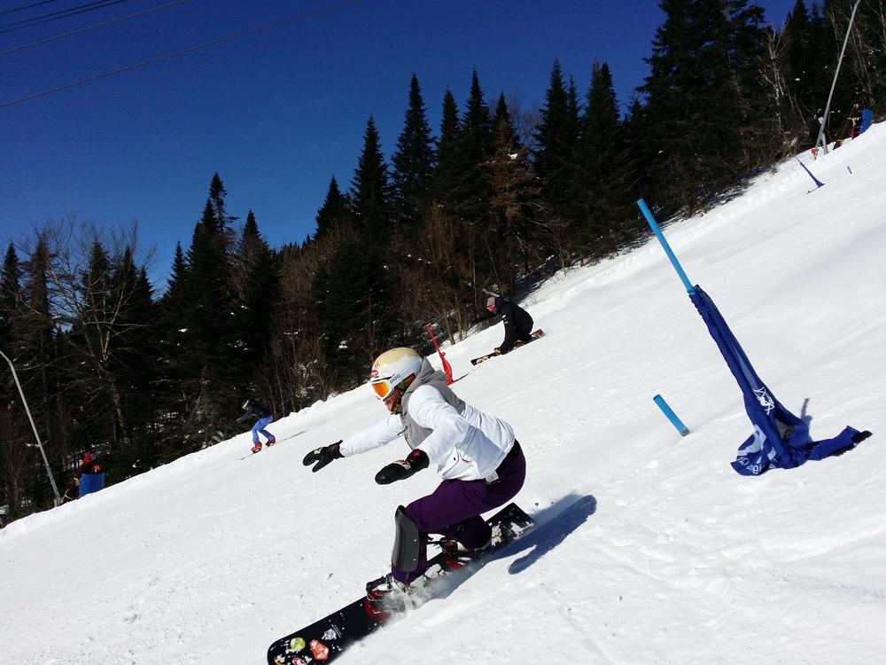 """Entraînement """"triple slalom"""" avec l'équipe """"Excellence snowboard"""" dans la Kandahar à Tremblant début mars."""