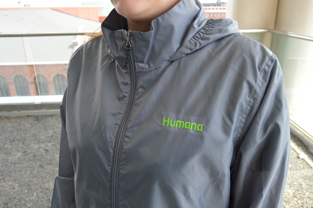 Humana Windbreaker