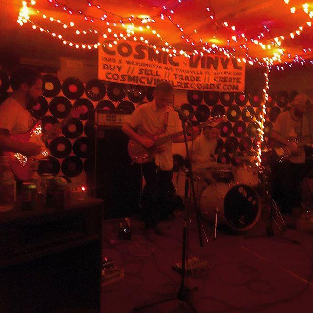 Sundiver live at #cosmicvinyl #diyshows #Florida #sundiver #shoegaze #fuckyes