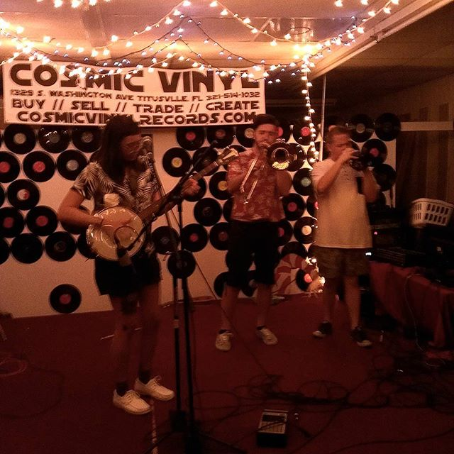 Mafdet live at #cosmicvinyl #Mafdet #folkpunk #diyshows