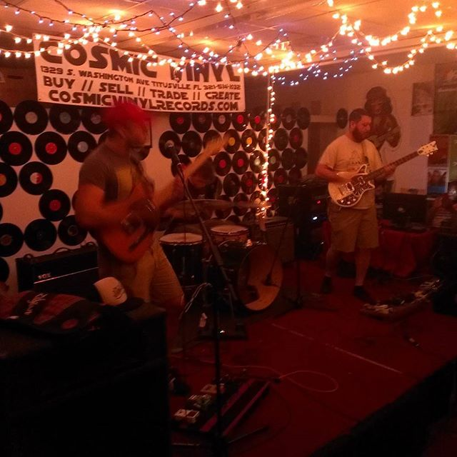 Snacking live at #cosmicvinyl #Florida #diyshows #Brevard