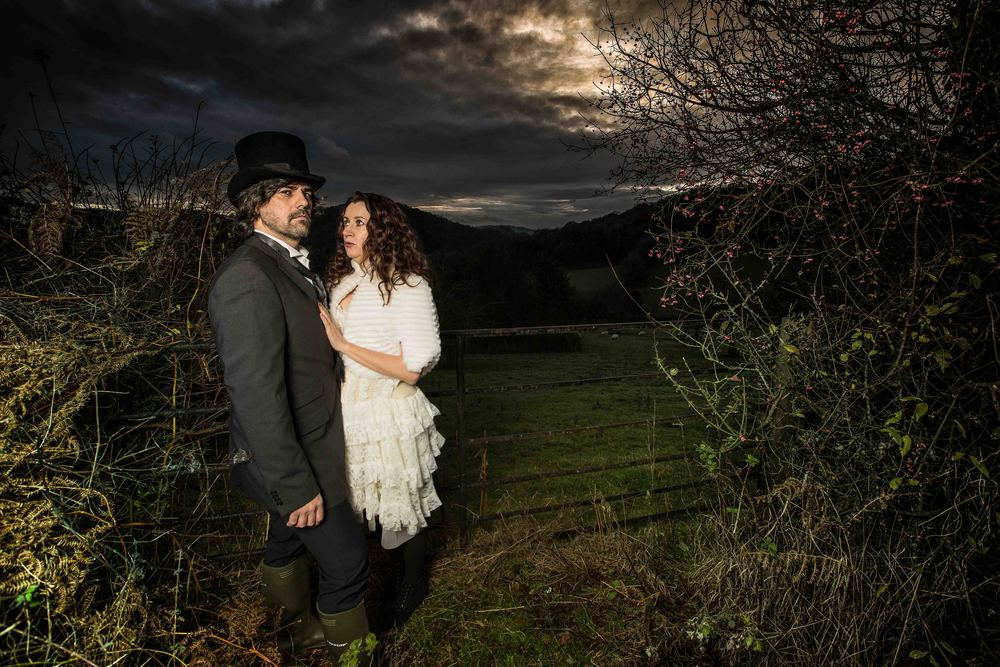 herefordshire-alternative-wedding-london-uk-destination-wedding-photography-Adam-Rowley
